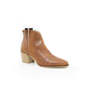 Donna Carolina Izzy Tan boots